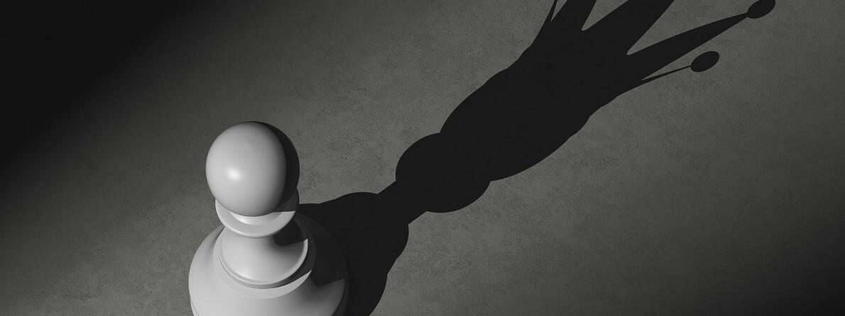 iStock-508138006-Chess-Shadow