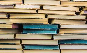 iStock-624280536 books